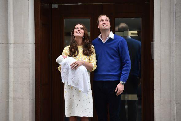 El mundo recibió feliz la noticia de la llegada de la princesita.