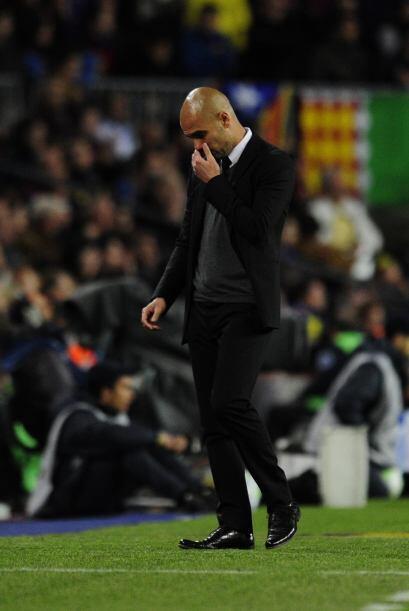 Guardiola se retiró con cara de preocupación.