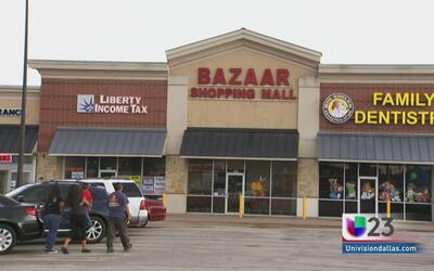 Tormenta provoca inundación en centro comercial