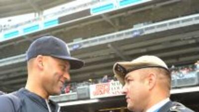 Derek Jeter, símbolo de los Yankees, dio la bienvenida a los hornados en...