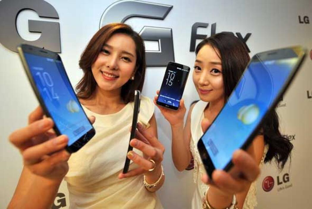 Si el cuerpo del LG Flex es curvo, por lógica su pantalla debe ser igual...