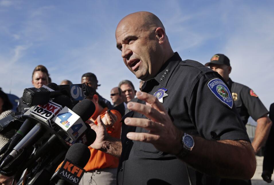 Hispanos consternados por tiroteo en California  AP_282641570611.jpg