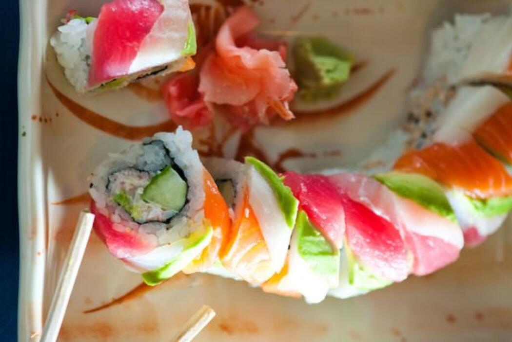El jengibre que se suele poner en las mesas de comida japonesa sirve par...