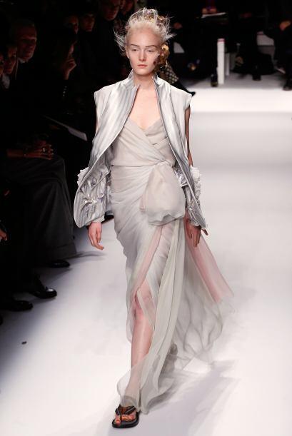 En las grandes Semanas de la Moda, las vimos combinadas con vestidos de...
