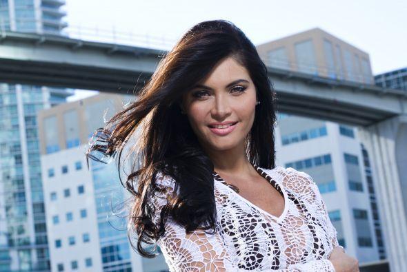 En 2011 brilla como nunca y se convierte en una de las presentadoras ofi...