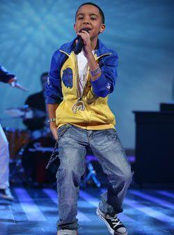 Y es que el reggaetonero ahora entró en el mundo de la moda y sacó su pr...