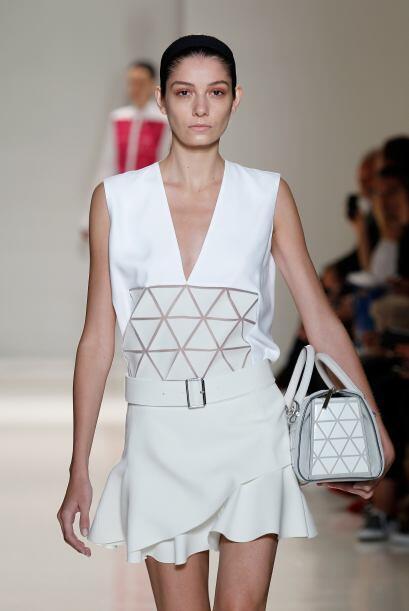 El 'total white' fue el protagonista en vestidos muy versátiles q...