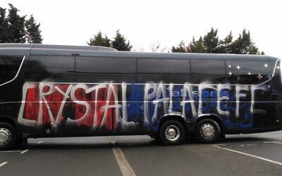 Así quedó el camión del Crystal Palace