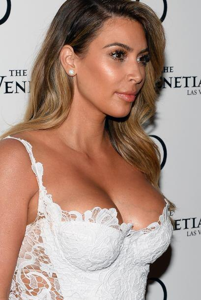 """Kim Kardashian tiene una de las """"delanteras"""" más peligr..."""
