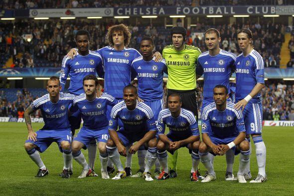 Alineaciones probables:  Chelsea: Cech; Ivanovic, Terry, Cahill, Cole; M...