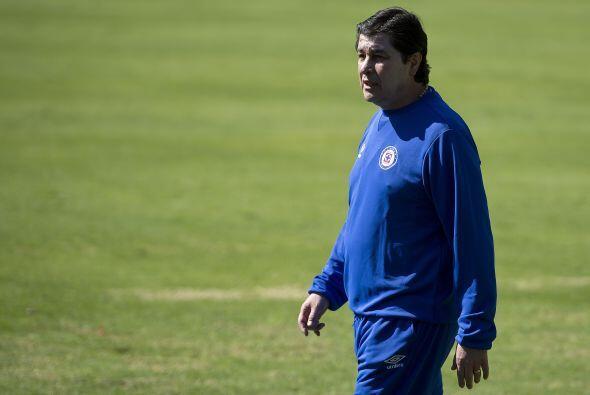 Diez años después Luis Fernando Tena volvió al banco azul en el Clausura...