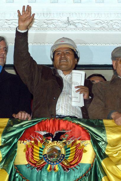 BOLIVIA VS. EMPRESAS DE HIDROCARBUROS- El 1 de mayo de 2006, y bajo un &...