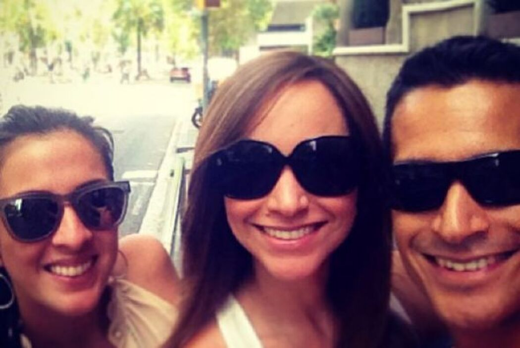 """""""Caminando por las calles de   Barcelona, ultimando detalles de la boda..."""