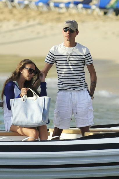 Ahora sí, solitos y sin la familia de ella, fueron a otro paseo en bote....
