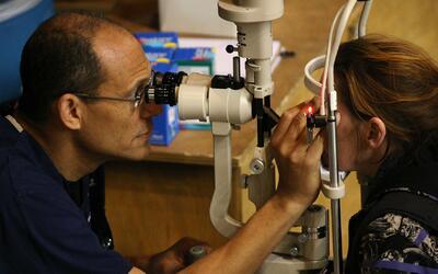 Exámenes de la vista podrían detectar a tiempo enfermedades en los ojos...