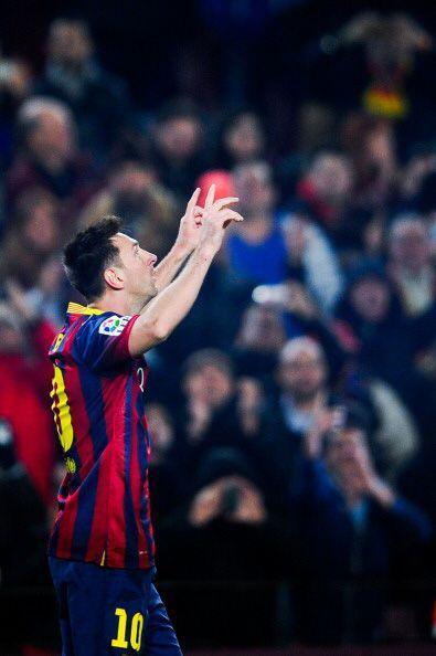 Dicha encuesta sitúa al jugador del Barça Lionel Messi en...