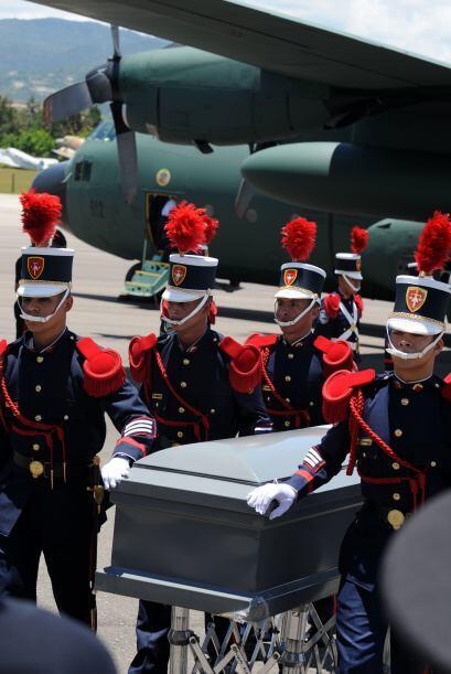 Los restos fueron trasladados al país centroamericano en un avión de la...