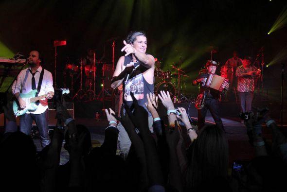 Carlos Vives se presentó en el Fillmore de Miami Beach en un concierto p...