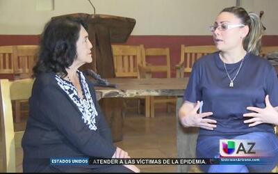 Reconocida activista visita a inmigrante refugiada en iglesia