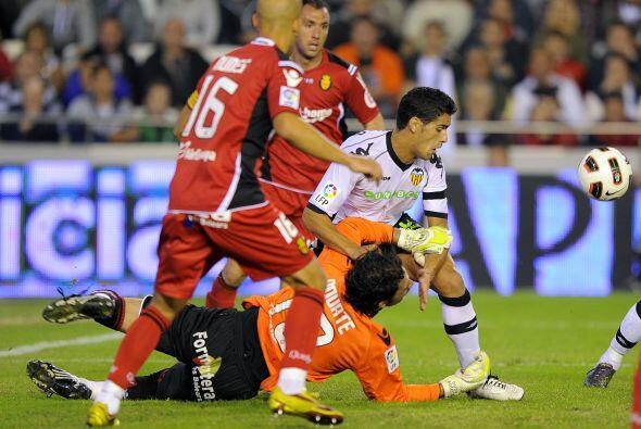 Valencia se lanzó en busca del empate, pero se estrelló con la defensa m...