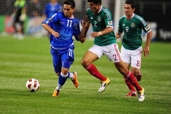 México arrancó goleando a El Salvador 5 a 0 y dejaba claro...