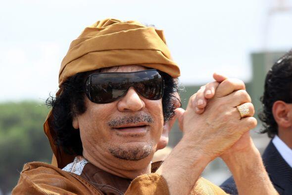 Al día siguiente los rebeldes libios asesinaron al dictador Muamm...