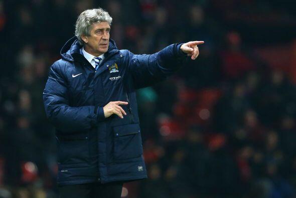 Pellegrini tiene a su equipo a tres puntos del líder Chelsea, con un par...