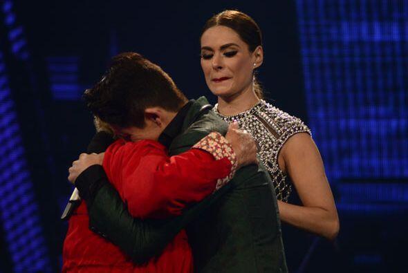 Recordemos que durante el estreno de Va Por Ti, ella recordó a su querid...