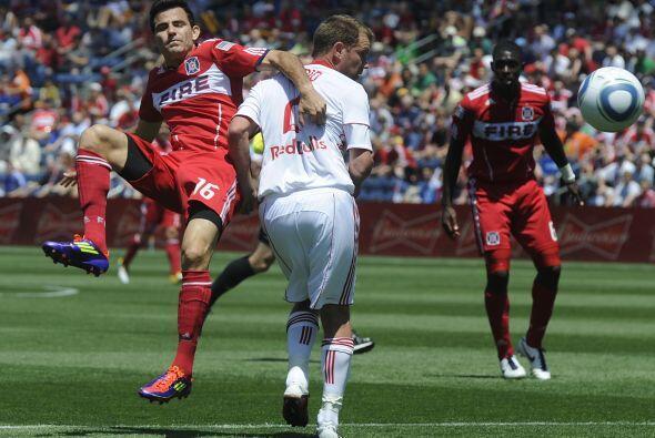 Vaya manera de marcar en la MLS. Si no preguntenle a este jugador del Ch...