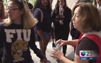 A hoteles estudiantes de FIU desalojados de residencia