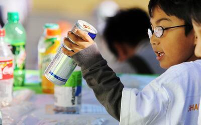 Expertos recomiendan que niños no deben consumir más de 6 cucharadas de...