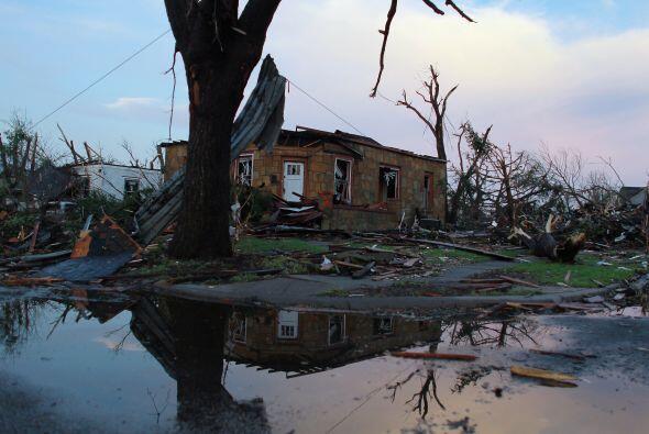 En Joplin, una parte del paisaje de la localidad quedó irreconoci...