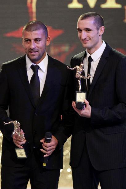 El galardón al mejor defensa fue compartido por al argentino del Inter d...