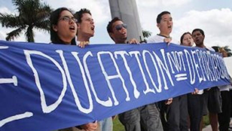 En Estados Unidos viven másde 1.5 millones de estudiantes indocumentados...