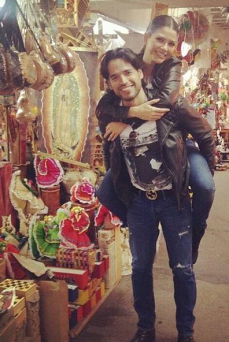 """""""Mercado de artesanías #Tlaquepaque #Jalisco #VivaMexico"""", mostró Ana. (..."""
