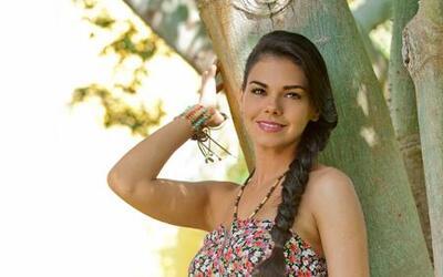 La actriz Livia Brito posó con poca ropa para una revista