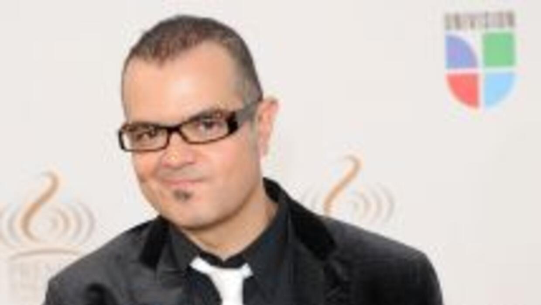 Aleks Syntek dice sentirse orgulloso de su composición a pesar de las cr...