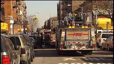 Hombre apuñaló a su esposa y mató a su hija en El Bronx