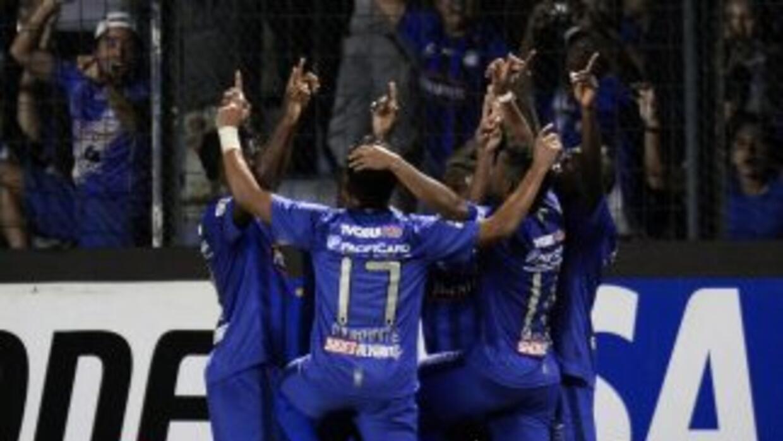 Emelec logró llevarse la victoria en su estadio de Guayaquil en un encue...