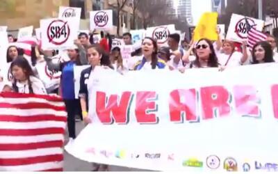 Manifestantes marcharon desde el Concilio de Austin hasta el Capitolio e...