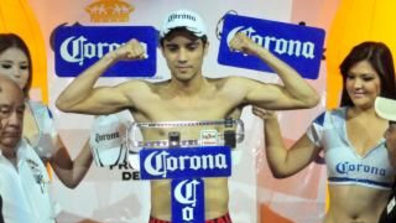 DeMarco listo para enfrentar a Román y defender el título ligero del CMB...