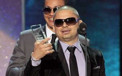 Exclusiva: Larry Hernández nos contó cuántas canciones escribió cuando e...