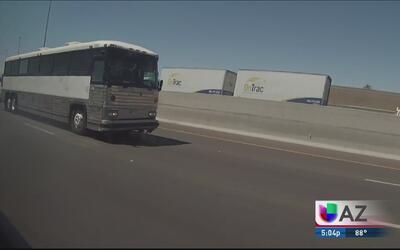 Tres indocumentados se fugaron del autobús donde eran transportados