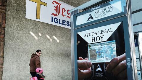 ¿Puede un residente permanente ser deportado en alguna circunstancia?