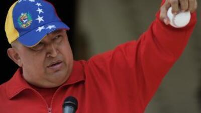 El presidente Hugo Chávez se está recuperando desde La Habana, Cuba.