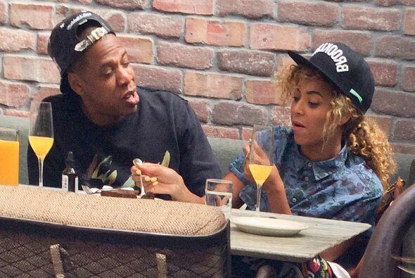Beyoncé y Jay Z disfrutaron de una comida en Venice Beach. Mira aquí los...