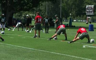 ¿Cómo es un día típico en el campo de entrenamiento de los New York Jets?