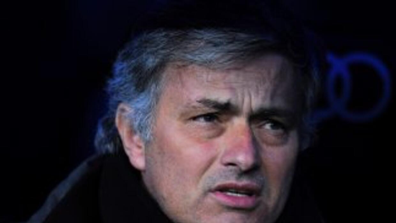 Mourinho no hace caso de las críticas, pero responde a sus detractores c...