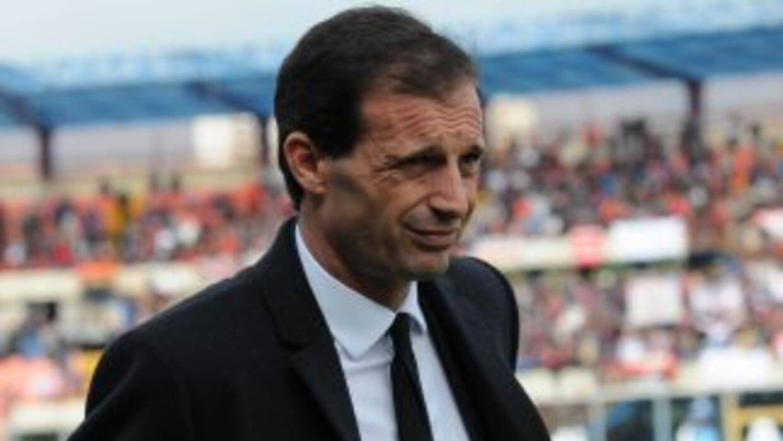 El aún técnico de los 'rossoneri' ha decidido dar un paso al costado al...
