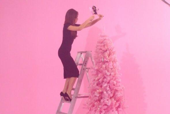 Victoria Beckham tendrá una rosa Navidad con todo y árbol.